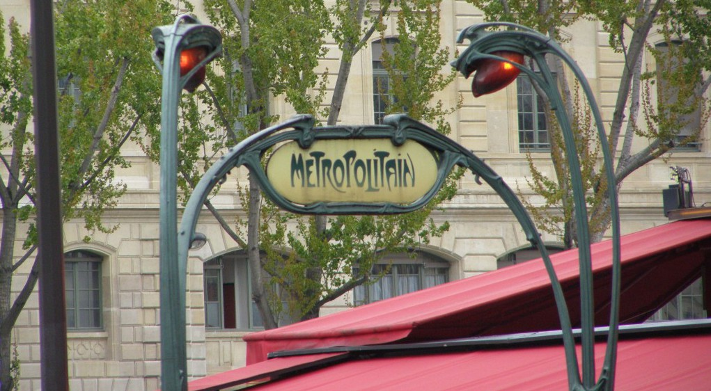 Travel-to-Paris-France-with-Textile-Travel